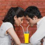 एक अच्छा प्रेमी (Boy friend) कैसे बनें? 12 तरीके अच्छा प्रेमी बनने के।