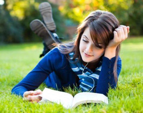 10 Benefits of reading books